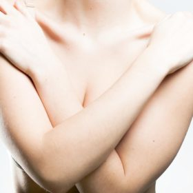 Осложнение после липофиллинга молочных желез